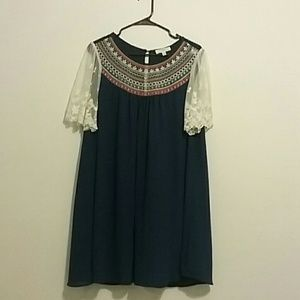 Umgee lace and embroidery tunic